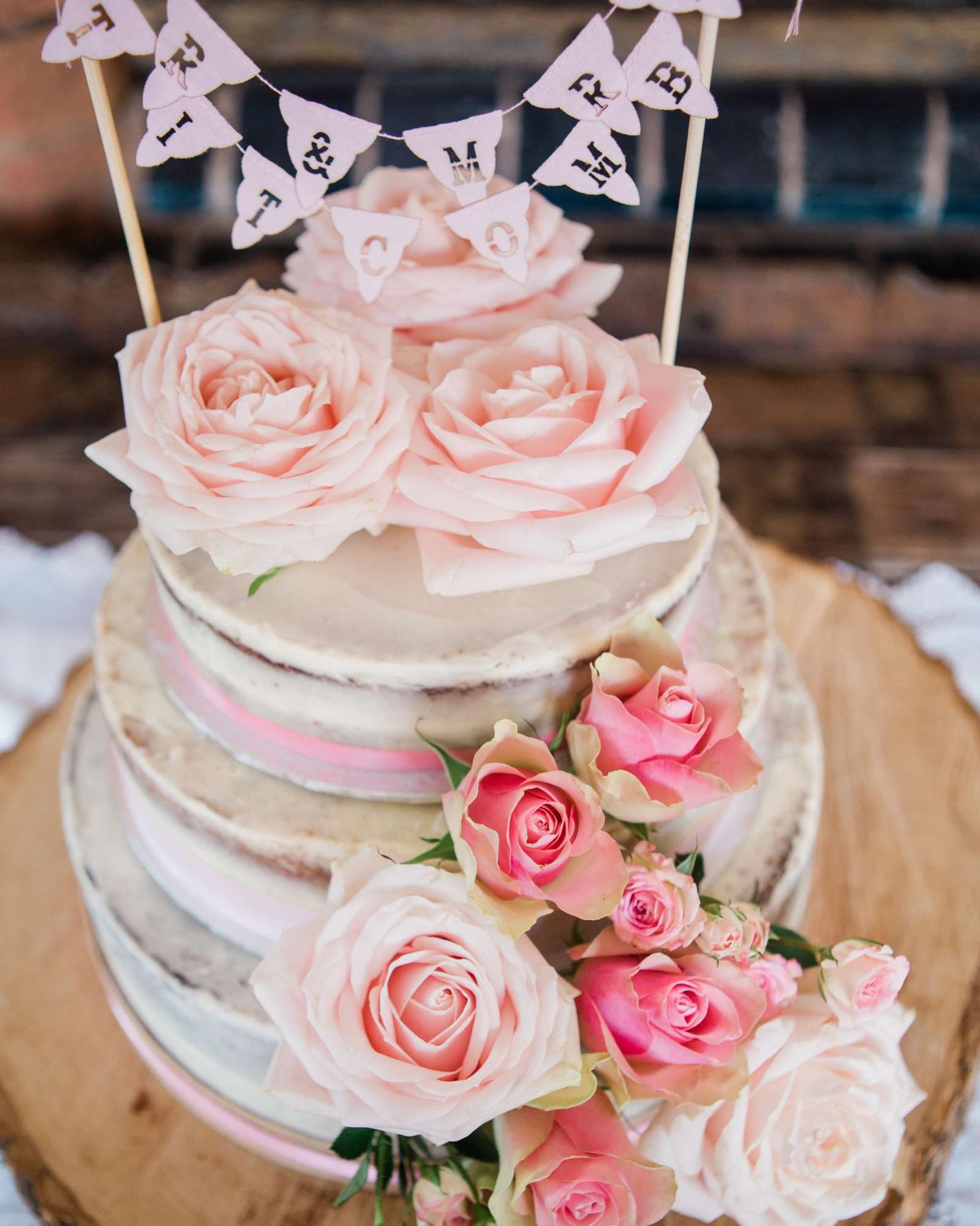 Vintage wedding cake decorated with roses